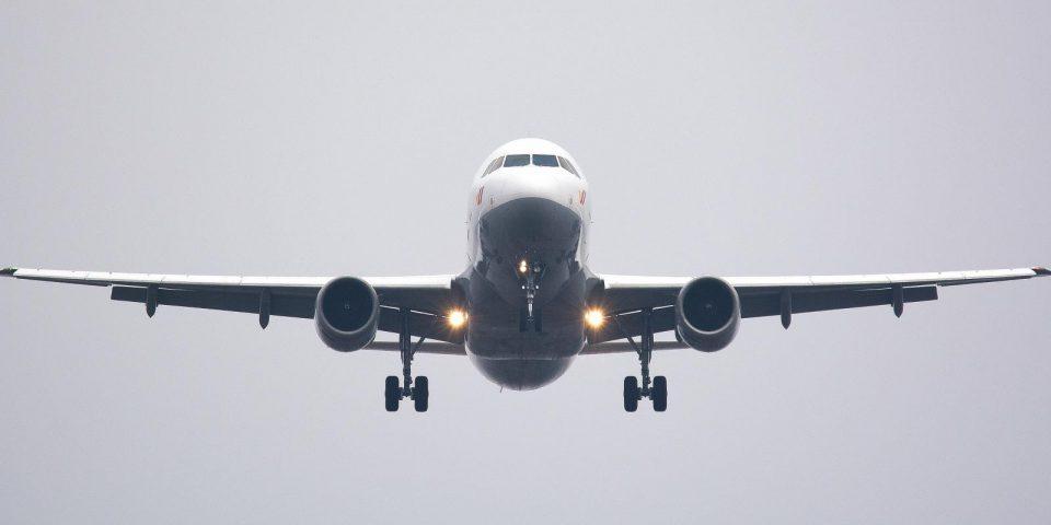 Германија планира да воведе ограничувања за летовите од Велика Британија и Јужна Африка
