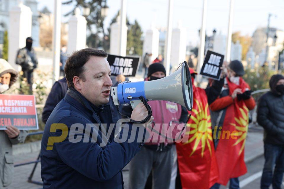 Николоски од Кавадарци: На стоте дена влада, ќе падне владата на бандитот Заев