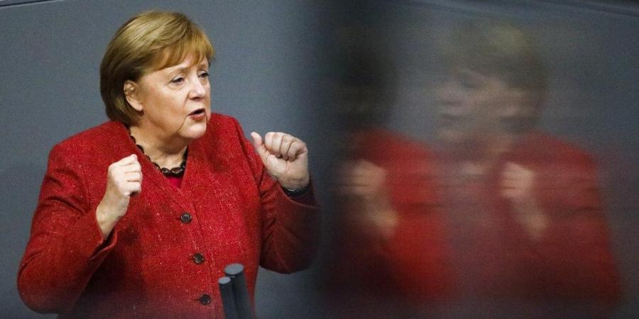 Ситуацијата е многу, многу сериозна: Меркел бара строг полициски час