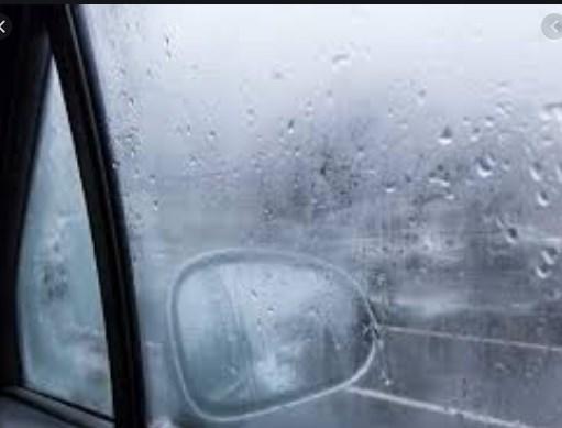 За да не ви се замаглуваат стаклата на автомобилот намачкајте ги со пена за бричење