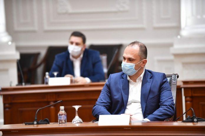 Иако отиде да моли:  Бугарите не му дадоа вакцини на Филипче