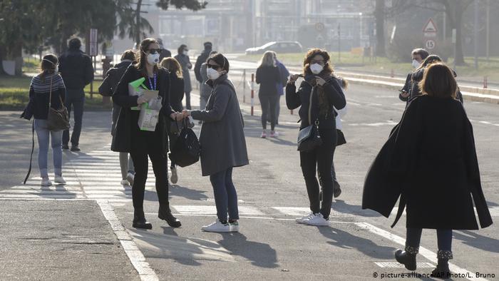 Италија го надмина прагот од 60.000 смртни случаи, за Нова година ќе има полициски час