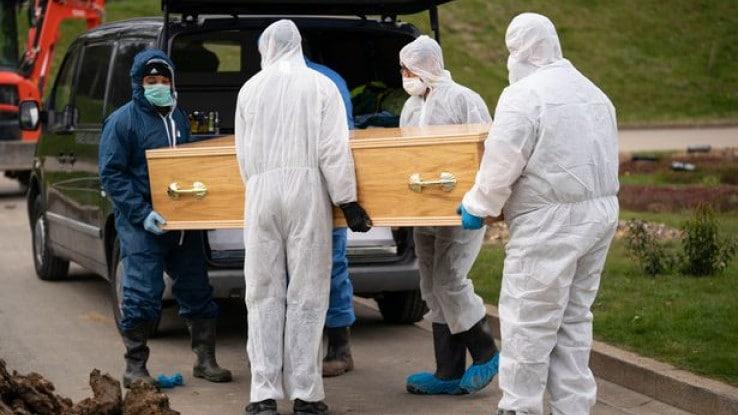 Влада: Гроб на починат од Ковид-19 не смее да се отвора една година