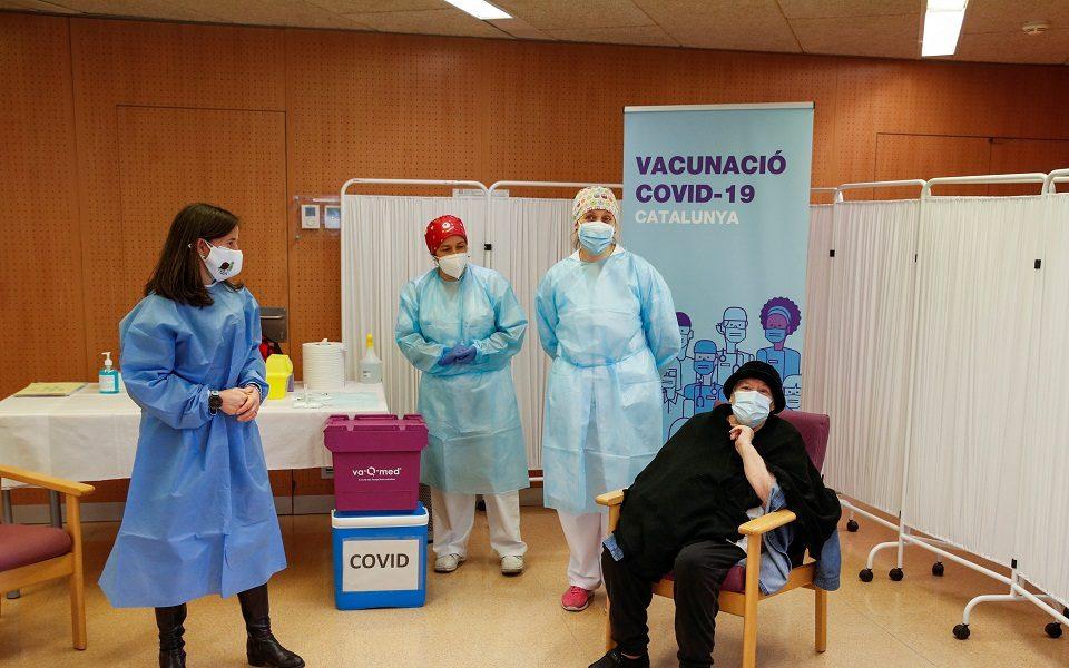 Мадрид ја прекина вакцинацијата: Ја обвини ЕУ поради доцнењето на вакцините