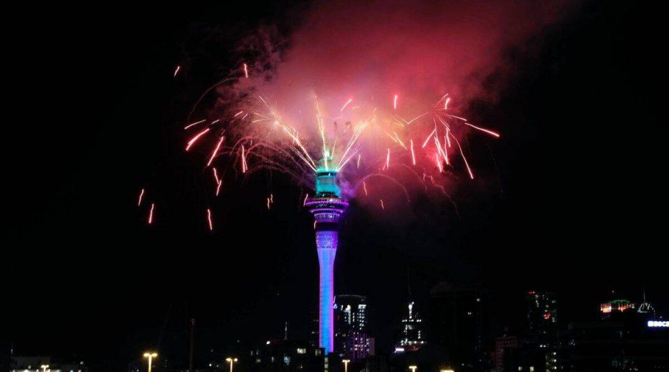 Нов Зеланд влезе во 2021 година со спектакуларен огномет