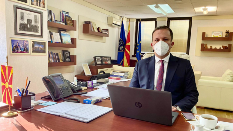 Оливер Спасовски и додека бил на боледување потпишувал решенија за прераспоредување