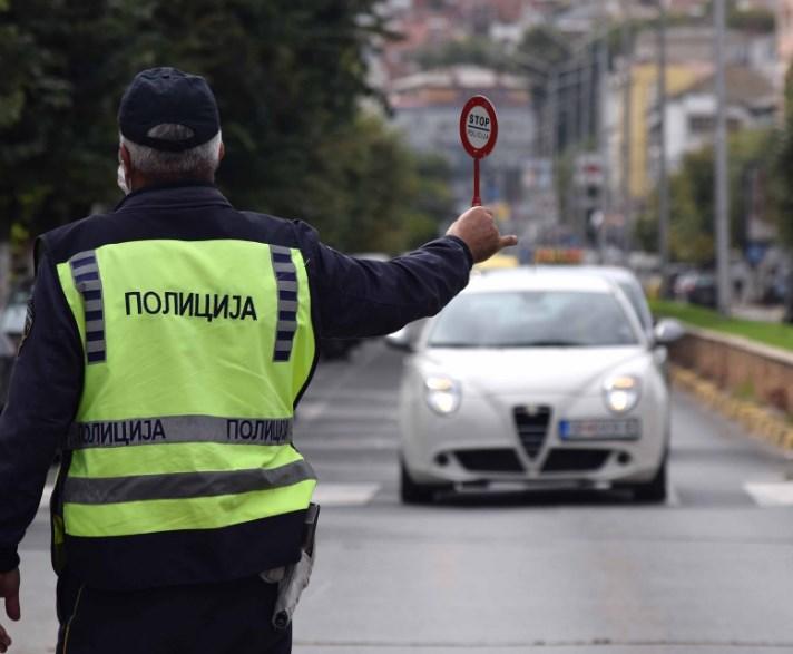 Деветмина полицајци повредени во сообраќајка кај Белановце