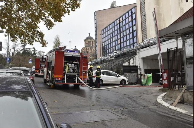 Експлозија во центарот на Белград: Еден загинат, двајца повредени