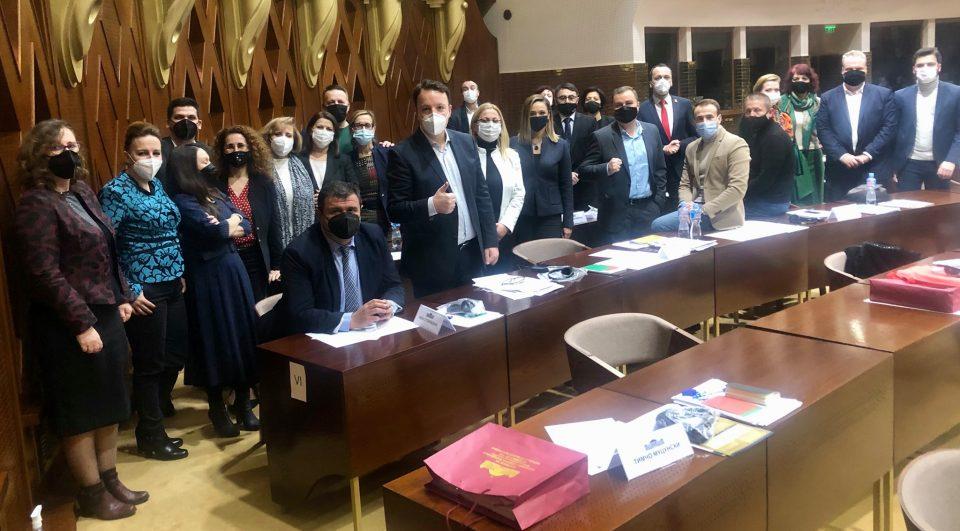 Мицевски: Бидејќи нема констатација на оставките, пратеничката група на ВМРО-ДПМНЕ и коалицијата ја напушта седницата
