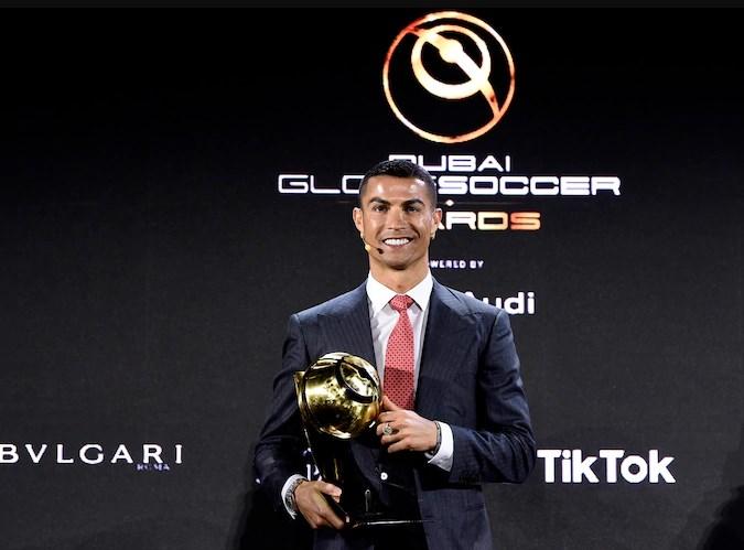Роналдо најдобар фудбалер на векот