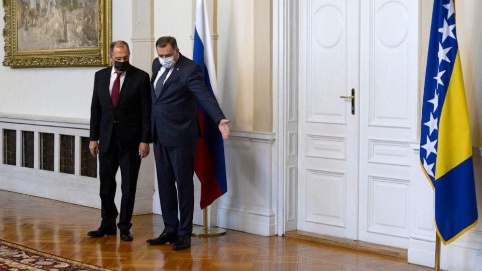 Русија ќе ја врати иконата која Сергеј Лавров ја доби од Милорад Додик, ќе се испитува дали потекнува од Источна Украина