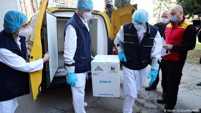"""Во февруари во Србија пристигнуваат 250.000 дози """"Спутник V"""", и 105.300 дози на вакцината на """"Фајзер"""""""