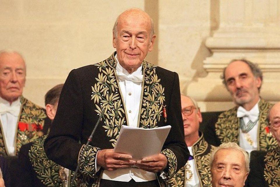 Поранешниот француски претседател почина од корона