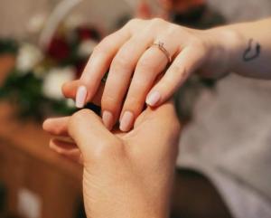 Димче Арсовски на својот роденден ја побара за сопруга својата долгогодишна девојка, Соња