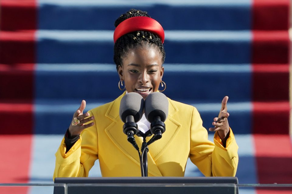 Која е Аманда Горман, ѕвездата на инаугурацијата на Бајден за која зборува цела Америка