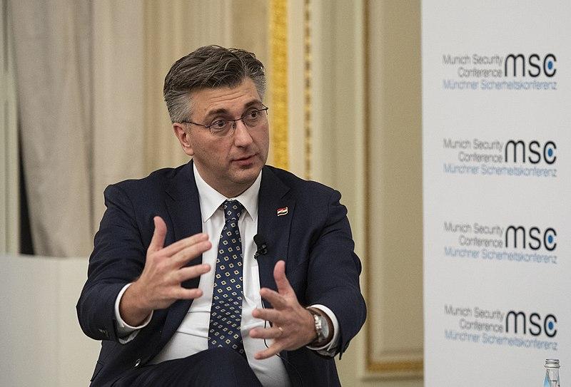 Пленковиќ: Не се почитуваат договорите со ЕУ, некои плаќаат повеќе за побрзо да дојдат до вакцини