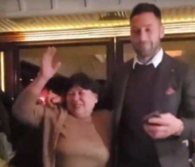 Мајкин син: Душко наместо со Јелена роденденот го прослави со мајката