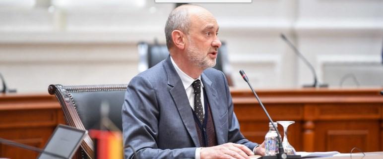 Договор, но со кого: Eвроамбасадорот вели дека ќе почнеме преговори кога ќе има договор