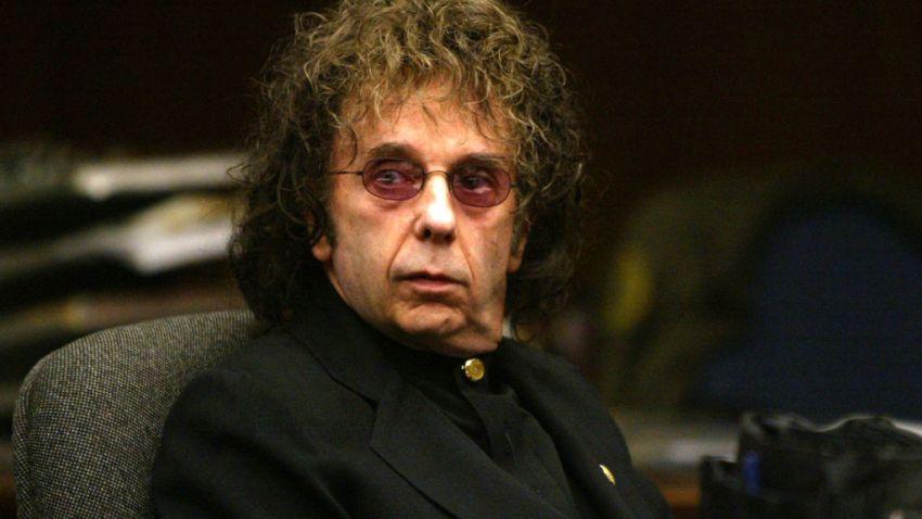 Музичкиот продуцент Фил Спектор почина од Ковид-19