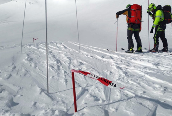 Лавина однесе четворица планинари во Италија: Три денa трае безуспешна потрага