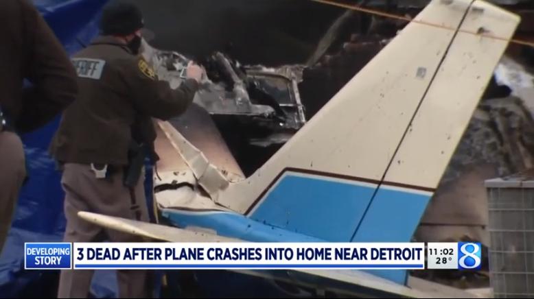 Авион се урна врз куќа: Загинале патниците, домашните се карале за филм, па се спасиле