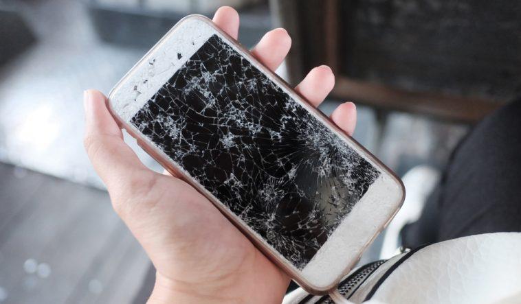 Научниците најдоа решение за испукани екрани, оваа супстанца го поправа телефонот за 20 минути