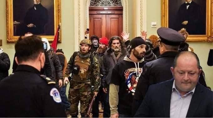 Ги отвори ли Крсте Муковски вратите во Конгресот?