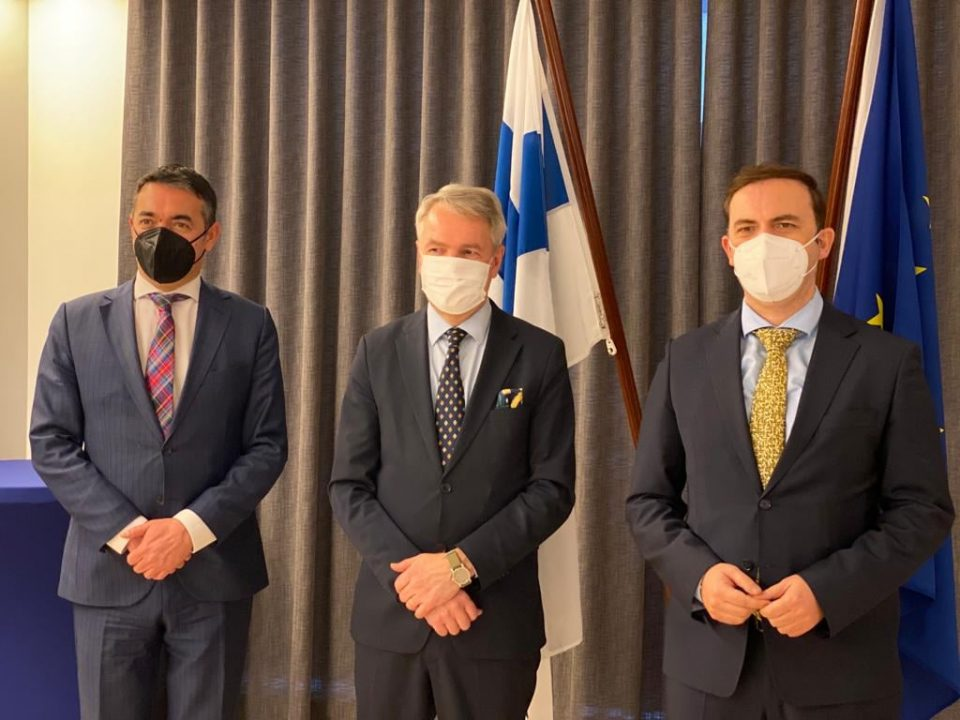 Димитров и Османи во Брисел на состаноци со министрите за надворешни работи на Шведска и Финска