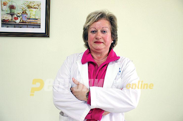 Македонска докторка се вакцинирала против ковид-19 во Србија