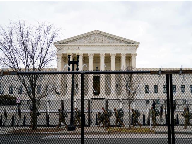 Евакуација на Врховниот суд на САД поради закана со бомба