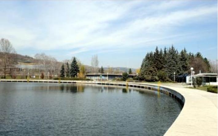 Градоначалникот на Сарај: Не е вистина дека на местото на езеро Треска ќе се гради болница или трговски центар