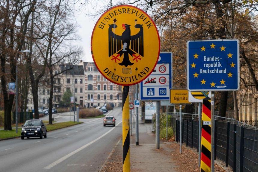 Германија засега нема да ги затвори границите