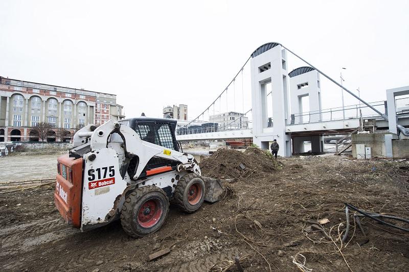 Шилегов најави отворање: Готов уште еден мост од проектот Скопје 2014