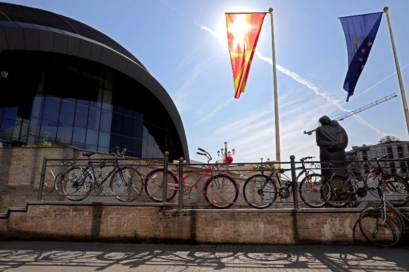 """""""Трнливиот пат"""" на Македонија кон ЕУ доби рампа во 2020, како ли ќе продолжи во 2021"""