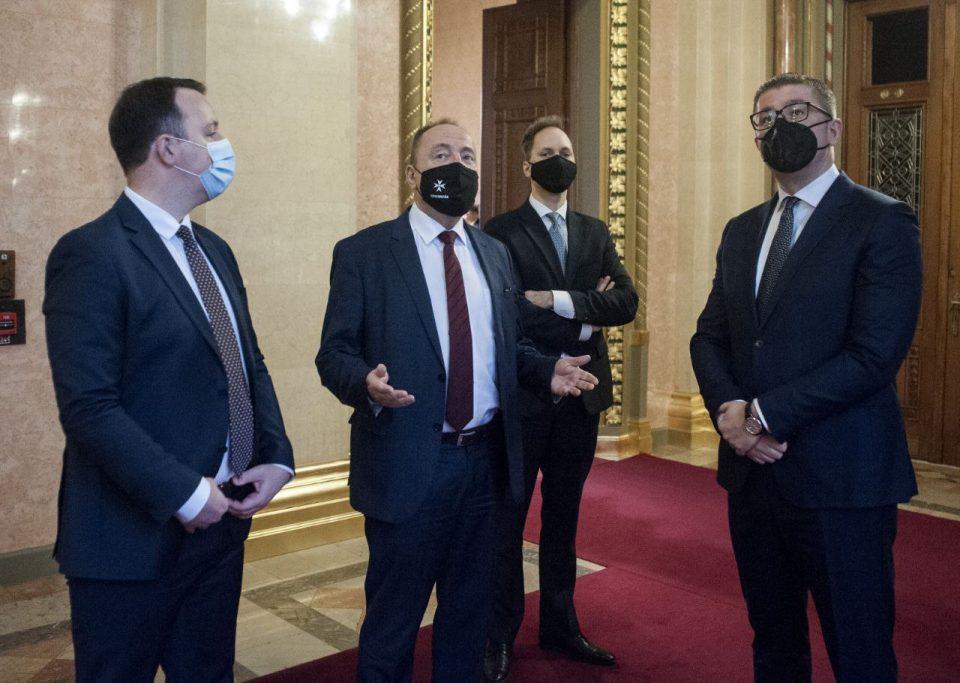 Дипломатско-партиската офанзива на Мицкоски влог за државата