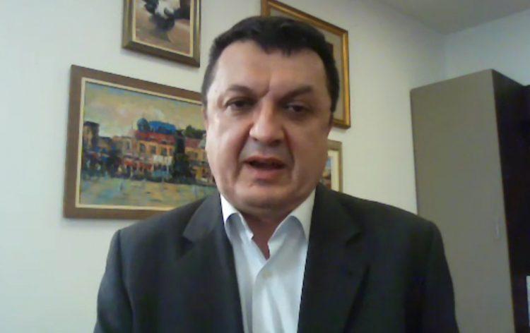 Српски виролог: И вакцинираните луѓе може да го шират корона вирусот