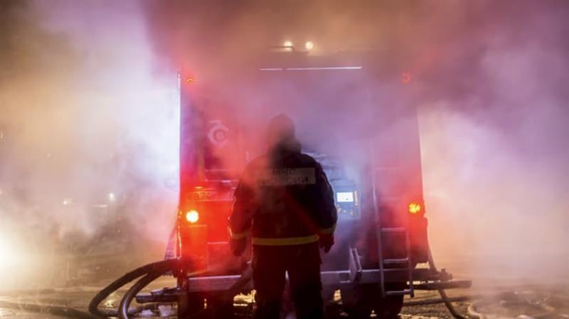 Десет семејства останаа своите домови во голем пожар во Ниш