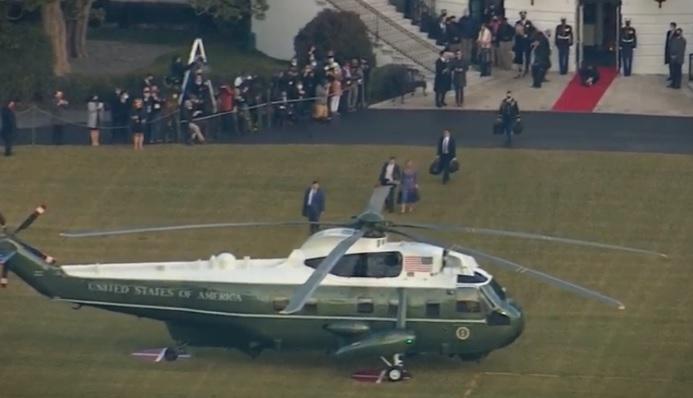 Семејството Трамп ја напушти Белата куќа