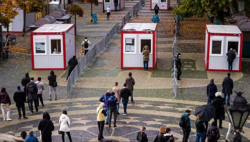 Словачка ќе го тестира цело население за една недела: Негативните ќе добијат олеснување на мерките