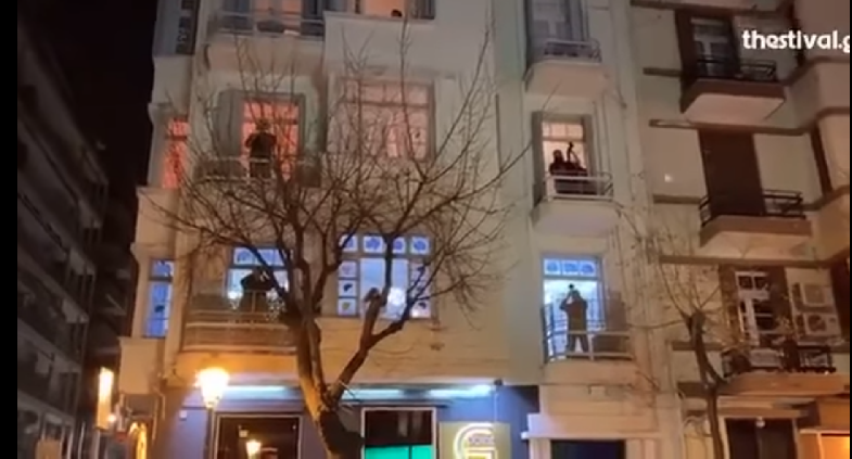На Бадник ечеше македонска песна на најпрометната улица во Солун