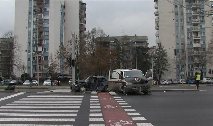 """Булеварот пуштен, семафорите не работат: Ќе превземе ли некој одговорност за сообраќајките и трките на """"АСНОМ""""?"""