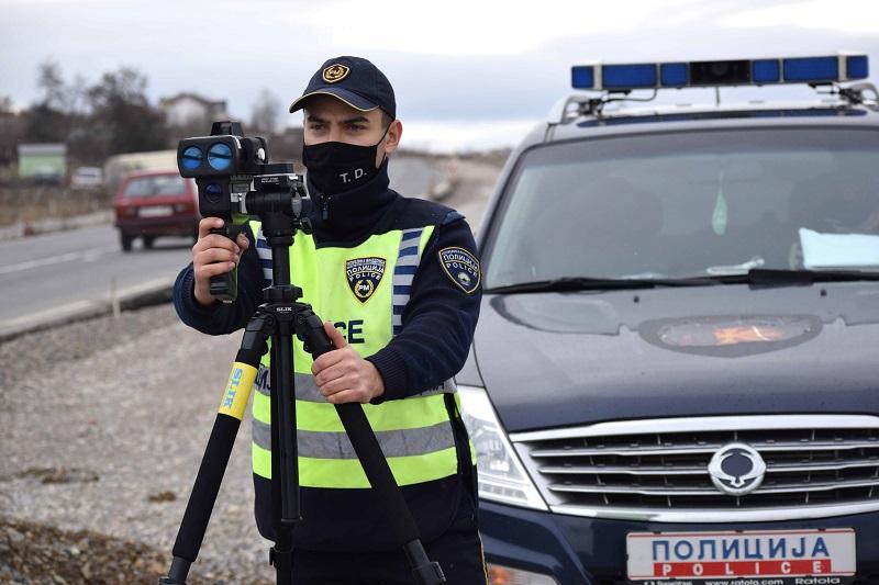 Пишани 330 казни за брзо возење на патот Скопје-Охрид, а 78 казни за брзо возење низ главниот град