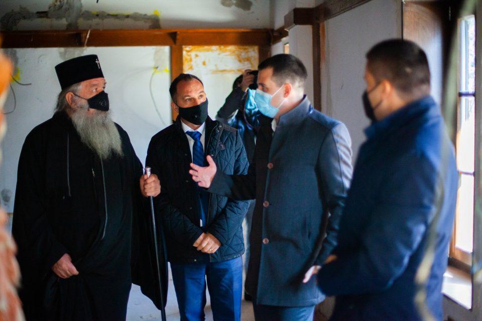 Дали Стефан Богоев е искористен како спотер за префрлање на државни пари за црковни потреби?