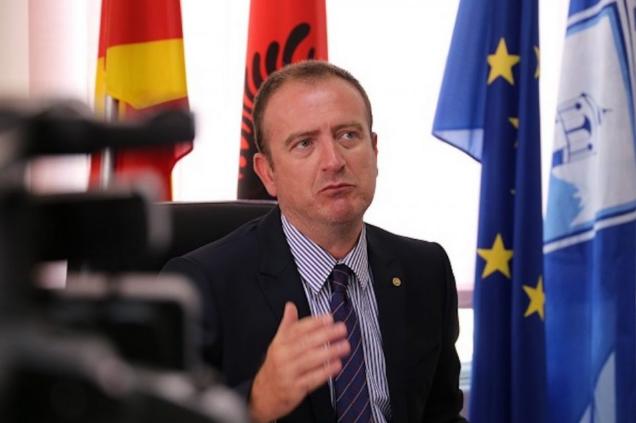 Таравари е скептичен: Македонија тешко дека ќе започне со вакцинација пред мај или јуни