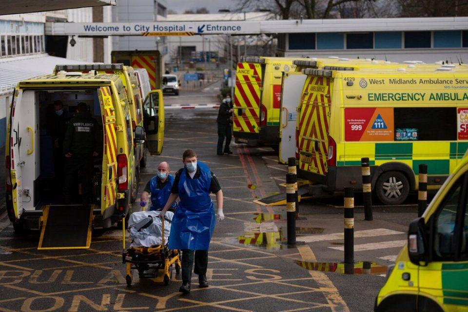 Зошто се влошува состојбата со епидемијата во Велика Британија?!