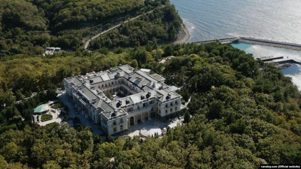 Навални ја откри најголемата тајна на Путин: Палатата вредна милијарда долари
