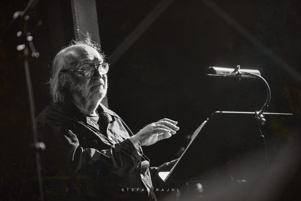 """Почина легендарниот композитор Војкан Борисављевиќ автор на безвременските """"Одисеја"""", """"А сад адио""""…"""