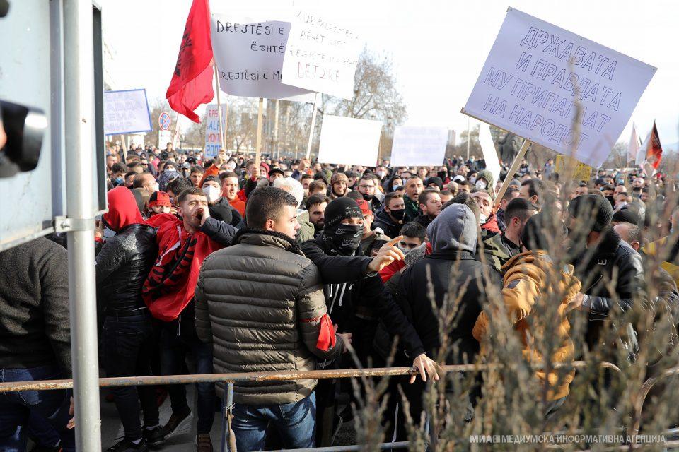 """Специјална изолација за Заев, Пендаровски и неколку министри за време на утрешниот протест за """"Монструм"""""""