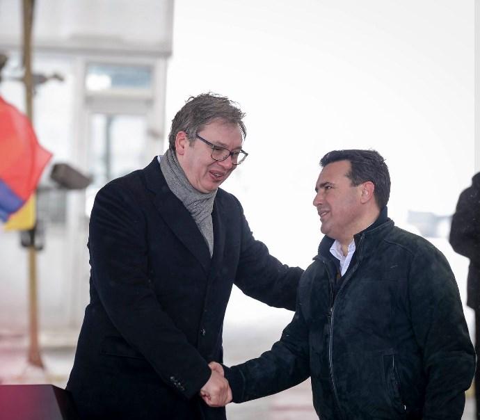 Странците барале од Вучиќ да биде очаен и понизен како Македонија