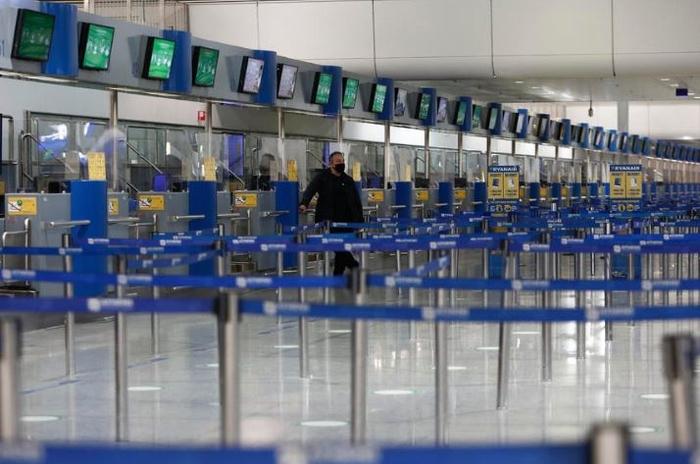 Во јануари намален за 83 отсто бројот на патници на аеродромите во Грција